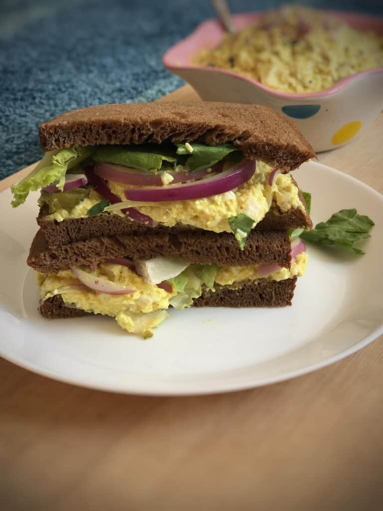 vegan tofu egg salad sandwich