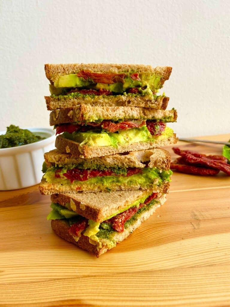 Avocado Sandwich Vegan (1)