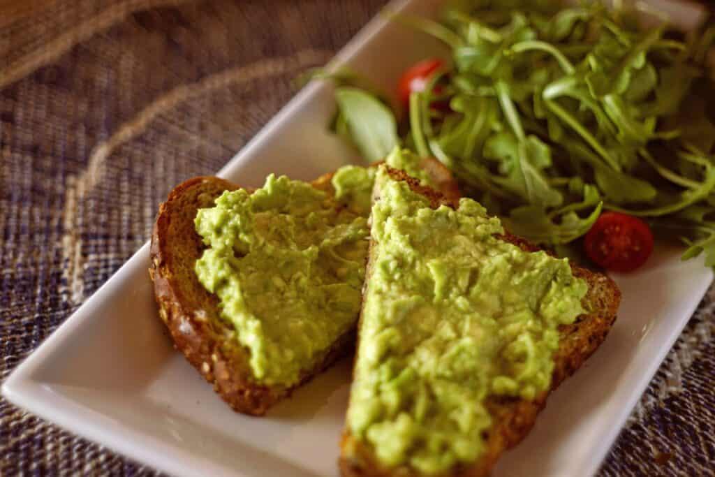 vegan guacamole sandwich