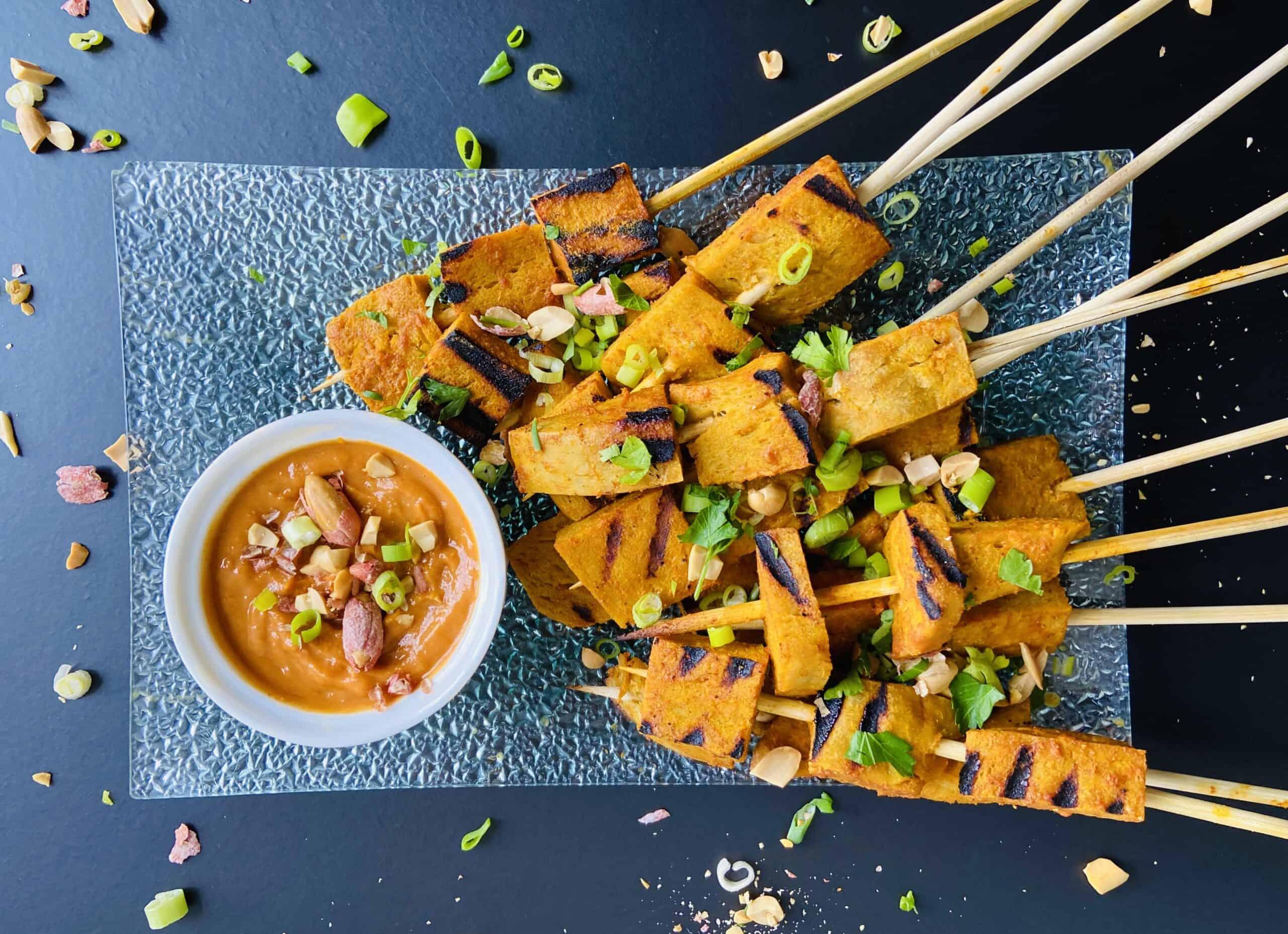 Seitan Satay – Vegan Satay Skewers with Peanut Sauce