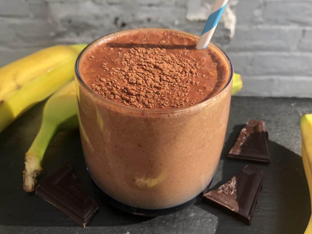 cacao powder smoothie banana